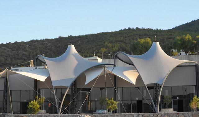 tenda membrane balkon