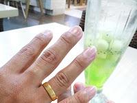 Mitos cincin pernikahan dipakai di jari Manis