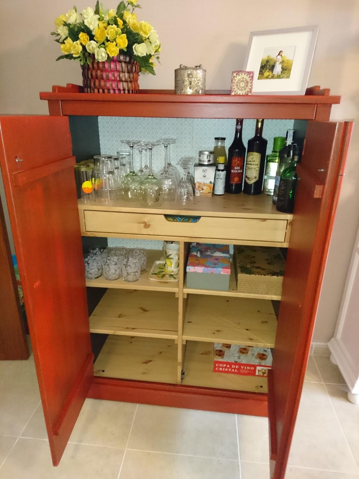 Reciclaje y bricolaje como transformar f cil un mueble de for Como barnizar un mueble ya barnizado