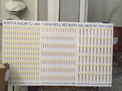Explanation of the fundraising for the church organ in Chiaramonte Gulfi.