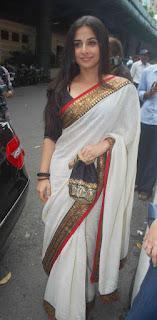 Vidya Balan Long hair Stills In White Saree (5)