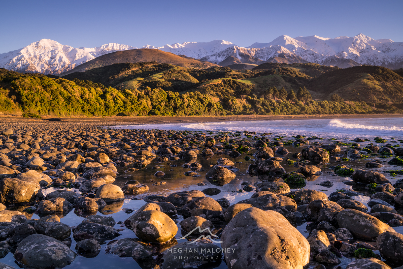 Kaikoura rocky beach sunrise