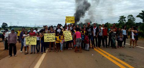 A Polícia Rodoviária Federal informou que os manifestantes liberaram a rodovia 364