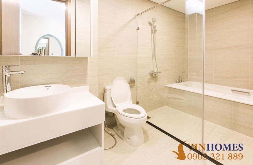 Cho thuê Penthouse 4 phòng ngủ tại tòa nhà Park 2 Vinhomes Bình Thạnh - phòng tắm 1