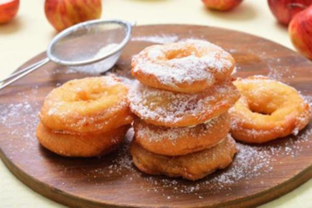 Buñuelos de manzana sin leche