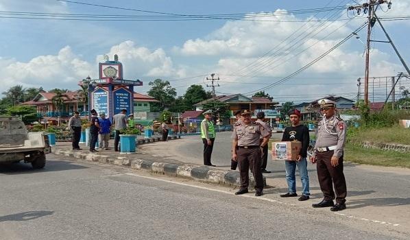 Polres Sekadau Kawal POM Sekadau Lakukan Aksi Penggalangan Dana Korban Gempa Lombok