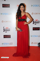 ishita Raj Sharma in Red Gown Stunning Beauty at success party of film sonu ke u ki sweety 014.JPG