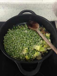 Agregar verduras y vino