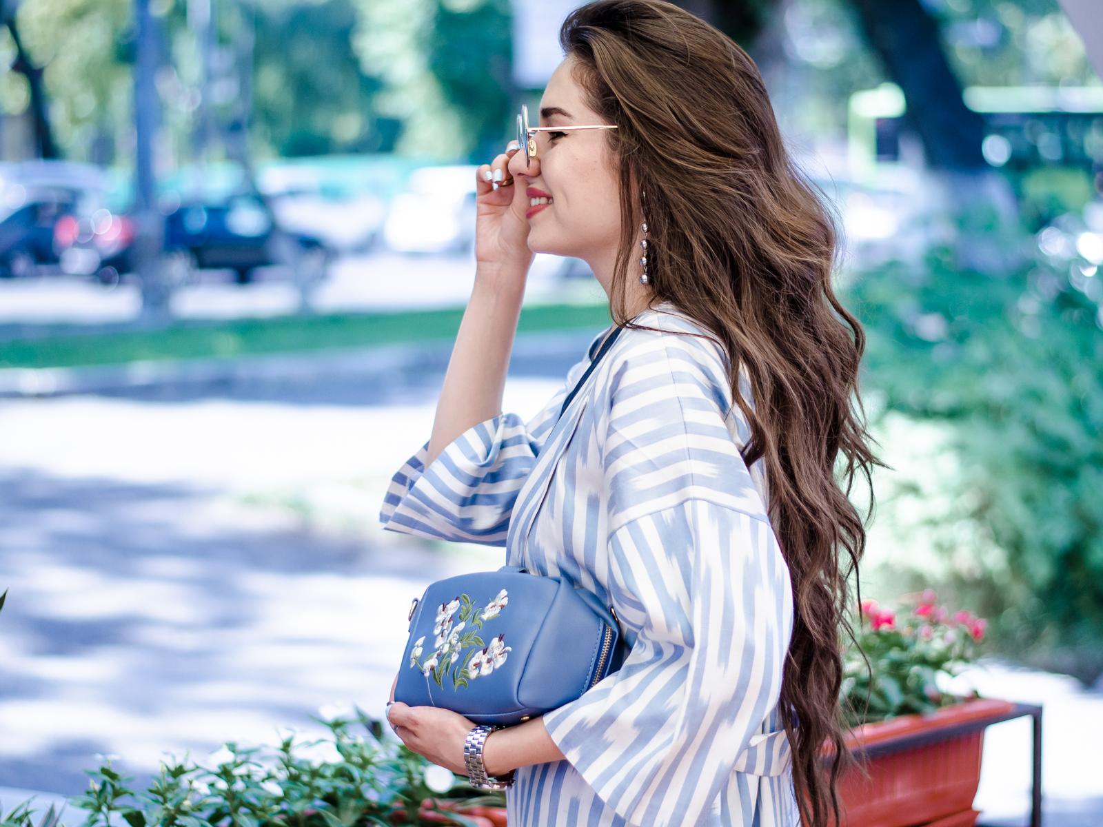 diyorasnotes diyora beta fashion blogger style outfitoftheday lookoftheday blue midi dress uzbek print embroidery bag