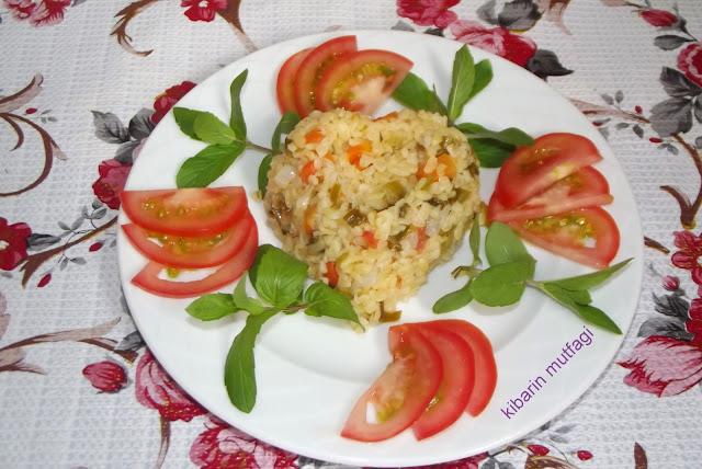 pilav tarifleri bulgur pilavı tarifleri domatesli bulgur pilavı  meyhane pilavı yeşil soğanlı bulgur pilavı sebzeli bulgur pilavı  sebzeli bulgur pilavı nasıl yapılır sebzeli bulgur pilavı yapılışı