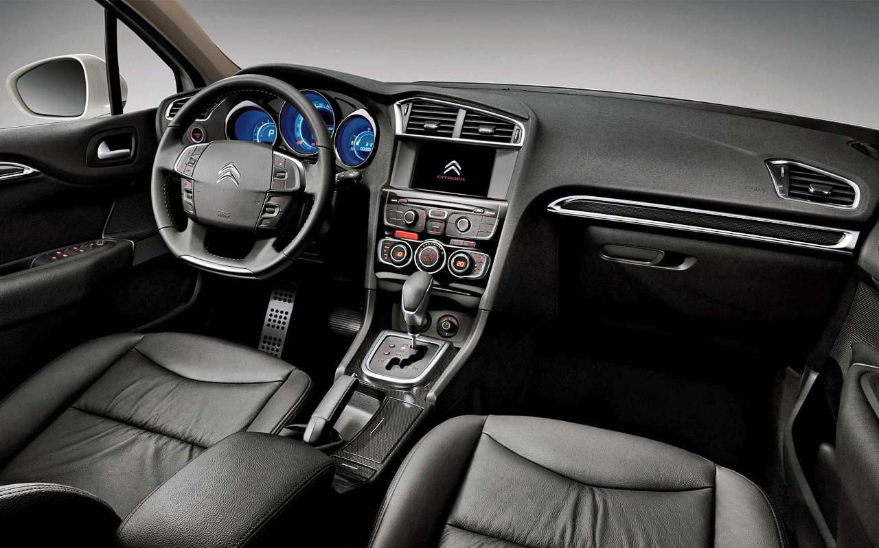 Citroen C4 Lounge 2014 - interior