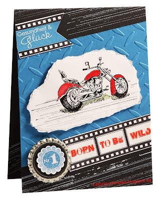 Geburtstagskarte für Biker mit Motorradstempel und Reifenspuren in schwarz, blau, rot, weiß