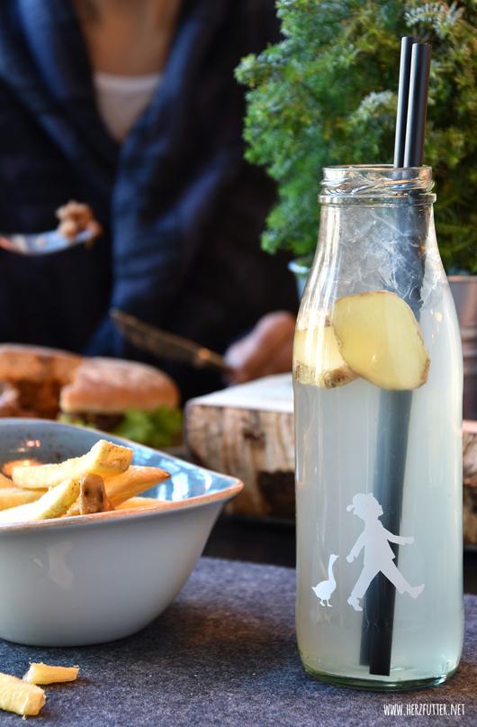 Erfrischender Durstlöscher mit Ingwer im Hans im Glück