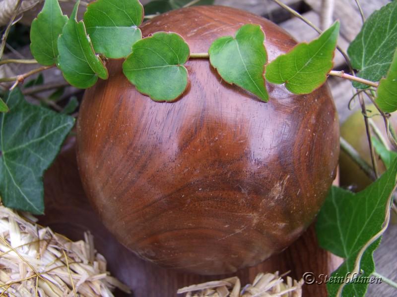 Dekokugel aus Holz