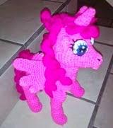http://novedadesjenpoali.blogspot.com.es/2015/04/patron-de-unicornio-twilight-sparkle.html