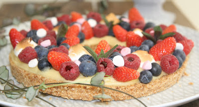 """alt=""""tarte aux fruits meringuée"""""""