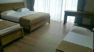 Tempat Tidur 4 di lantai 2