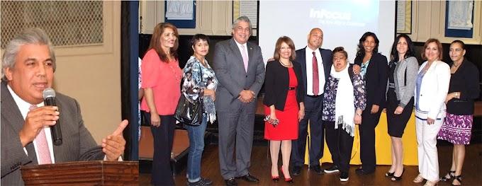 Cónsul Castillo transmite mensaje de Danilo a estudiantes de  la escuela JPD y resalta enseñanza bilingüe
