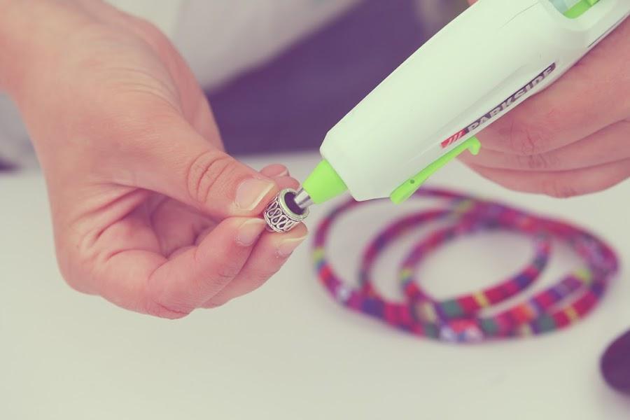 Tutorial cordón étnico para gafas pegar con silicona