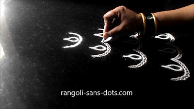 Diya-rangoli-with-bangles-1211ad.jpg