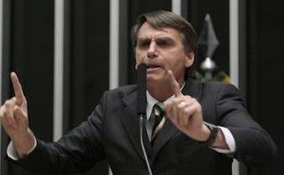 'Sem essa de Estado laico, somos um Estado cristão', afirma Bolsonaro