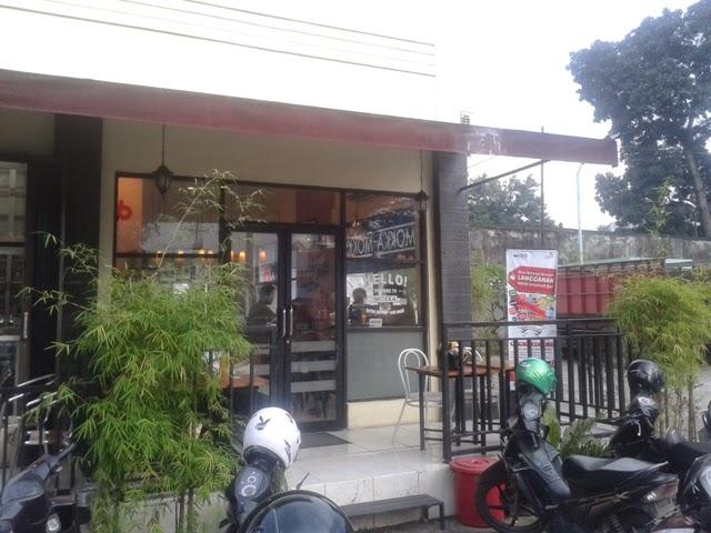 Ngopi dan Bersantai di Mokka Coffe Bar