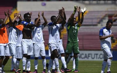 La Selección de Futbol de Honduras Festeja el campeonato de la Copa Centroamericana 2017 tras derrotar a Belice