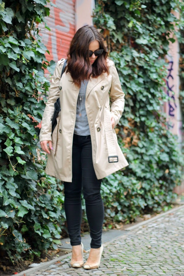 fashion blogger, beauty, basics, iheartblack, fashion staples, fall, timeless, nude trench coat, grey t-shirt, outfit, black skinnies, nude pumps, minimalist, jewelry, berlin, cupcake, cheese cake, sudanese food, cat eye sunnies, ASOS, C&A, Zara, Primark, H&M, Bulgari