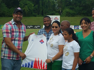 Atléticos San Cristóbal dedicó juego a la alcaldesa de Yaguate Rosa Peña