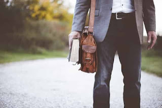 Style and fashion tips :- Men's bags