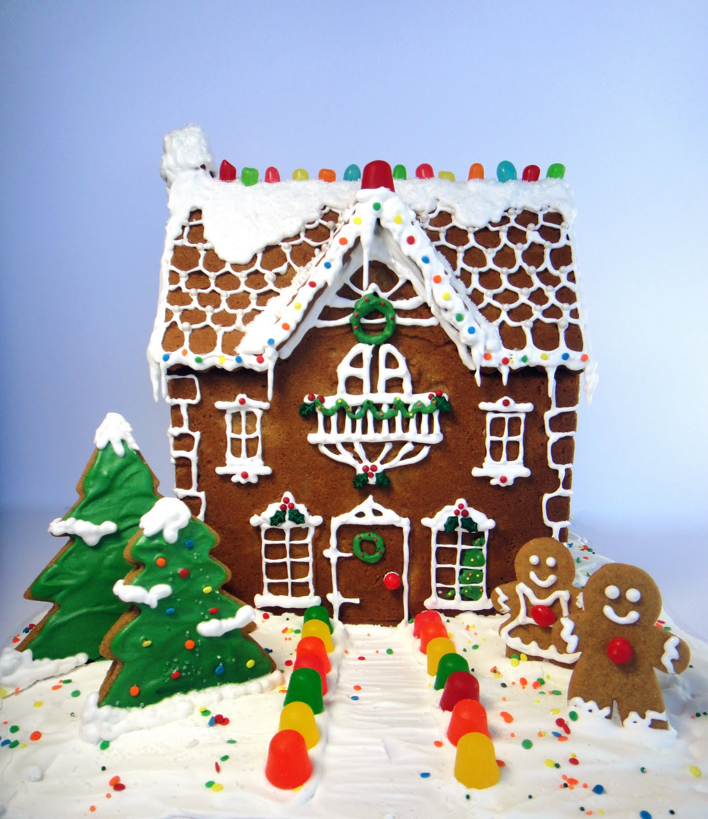 Worth Pinning Gingerbread House Tradition