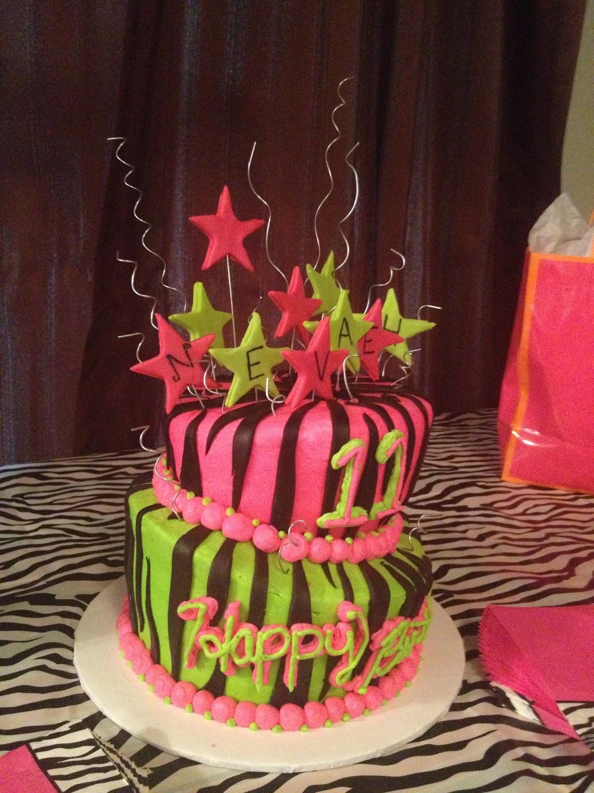 CakeCreated Nevaehs 11th Birthday Cake