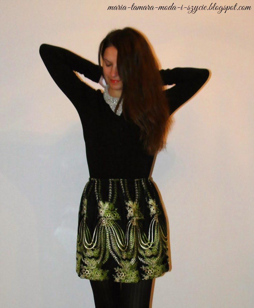 http://maria-tamara-moda-i-szycie.blogspot.com/2014/01/spodnica-na-gumce-z-ciekawym-wzorem.html