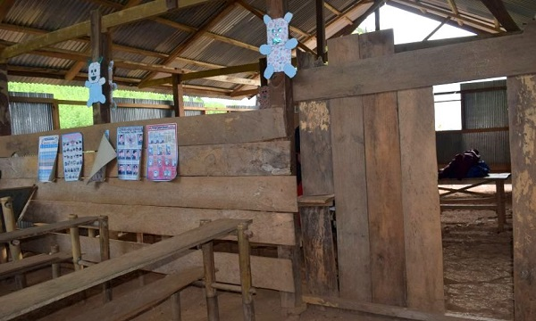 Renovasi Sekolah Adik-Adik di Dusun Bara
