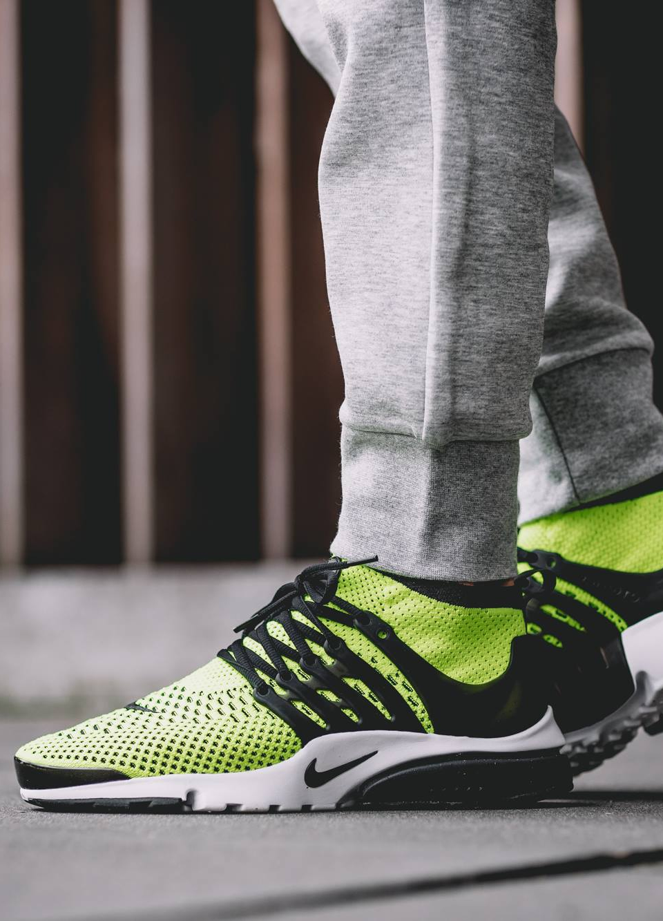 3fcfac31192 Sneakers  Nike Air Presto Flyknit Ultra  Volt Black  .