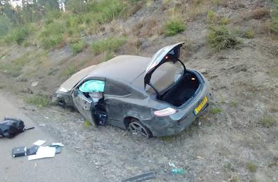 fotografia do carro acidentado do futebolista Zé turbo