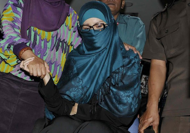 Alamak, Istri Cantik Para Politisi Yang Ikut Repot Karena Korupsi Sang Suami