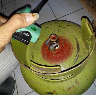 Tabung gas elpiji ukuran 3 kilogram