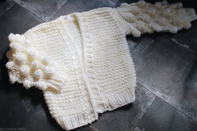 Japanese Fashion Blogger,MizuhoK,pom pom sleeves chunky knit cardigan from Chicwish