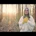 """Assista """"Só quem tem raiz"""", novo videoclipe de Sarah Farias"""