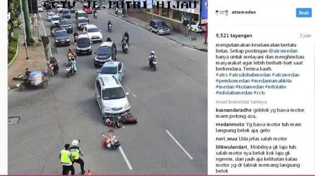 Ngeri, Pengendara Mobil Tabrak Pengendara Motor, Polantas Ini Melihat Langsung Tragedi Itu www.SumutTopNews.com - Berita Terbaru Terkini Hari Ini - Tabrakan antara mobil dan sepeda motor terjadi persis di hadapan dua petugas polisi yang sedang bertugas di Jalan Puteri Hijau, Jumat (21/4/2017) sore.  Peristiwa tabrakan ini diunggah akun Instagram @atcsmedan.