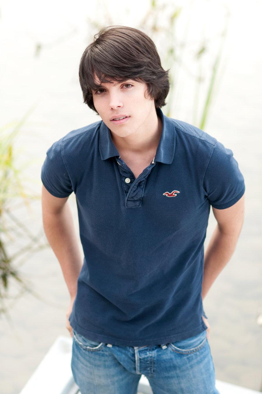 HANDSOME BOYS CLUB: Shirtless Handsome Boy Teenagers