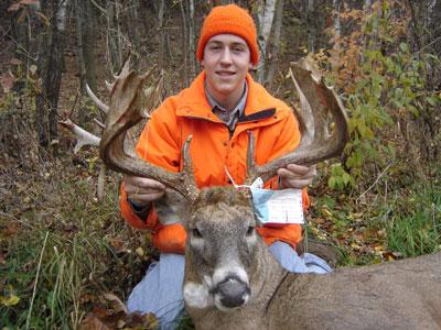 Ol Man Outdoors Wisconsin Gun Deer Hunt Kill Jumps 3 6