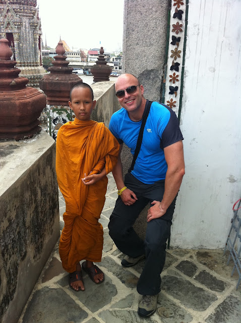 Bartolo con el joven monje