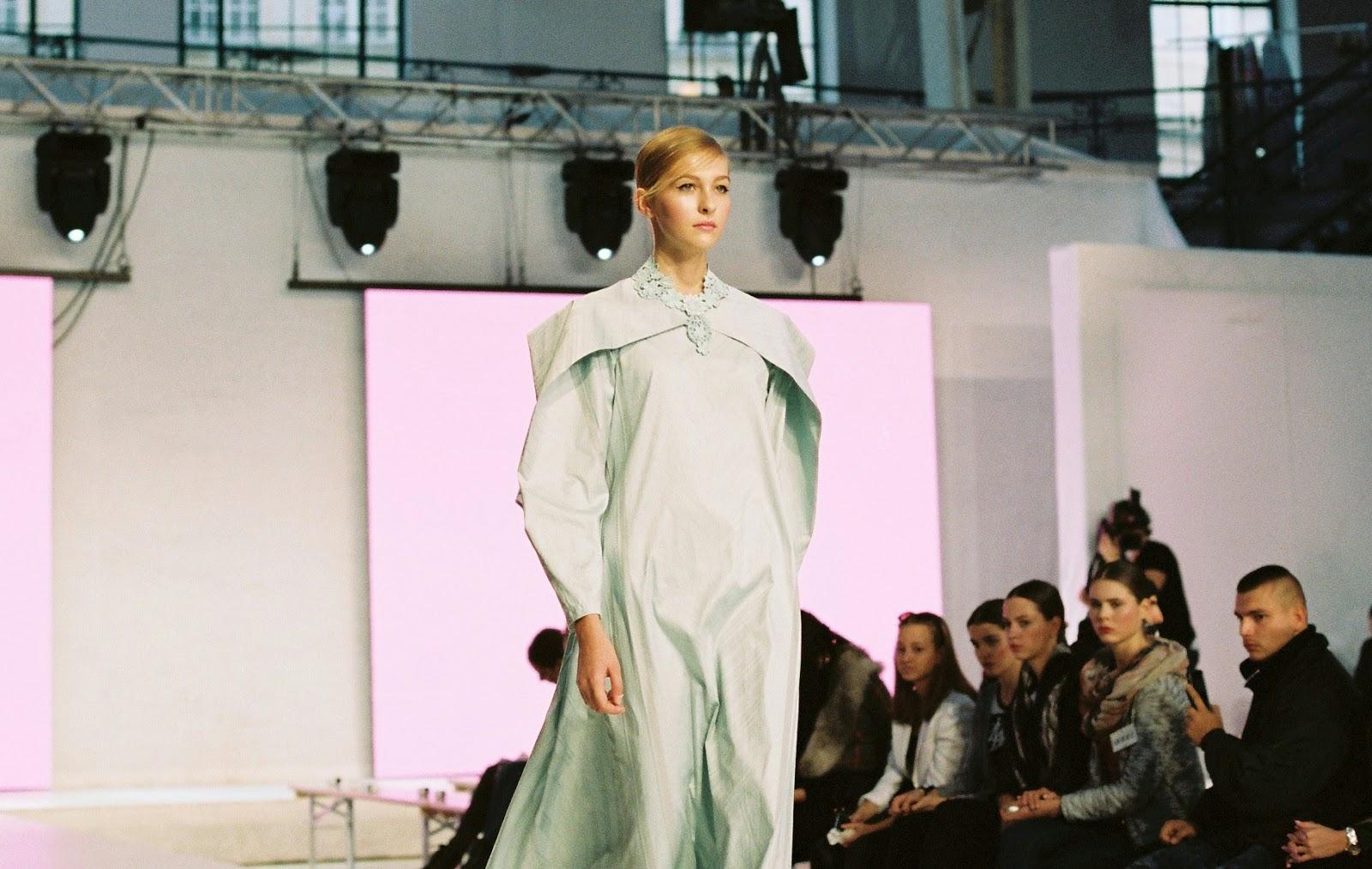 2fb2a17e7c89 tonbogirl  Invitation  Pavel Berky fashion show   workshop