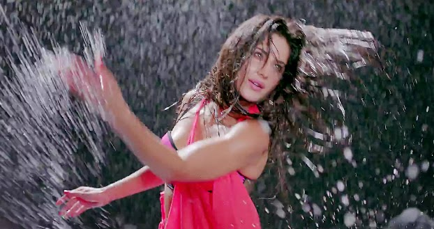 awesome katrina kaif hot images in dhoom 3 hot photos