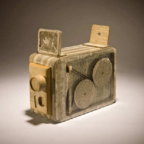 01-8mm-Camera-Ching-Ching-Cheng-Vintage-Camera-Sculptures-Made-of-Books-and-Maps-www-designstack-co