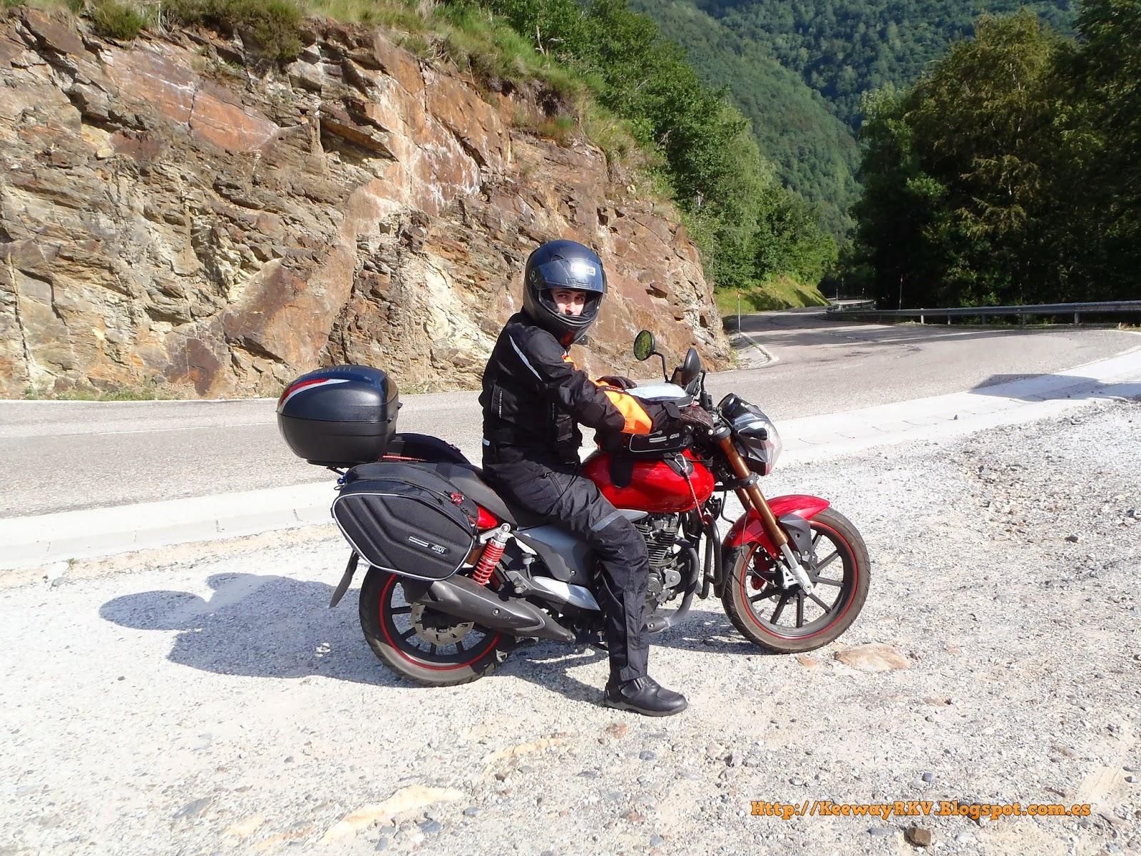 Esta es una entrevista a Arturo, usuario de Keewayeros.com y poseedor de  una Keeway RKV 125 en busca de una vision real del rendimiento de nuestra  moto ...