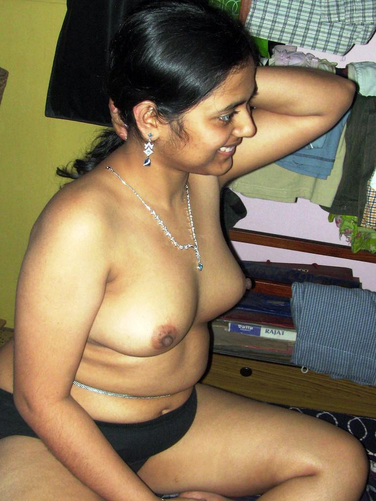 Kerala college girl exposing hairy pussy pix