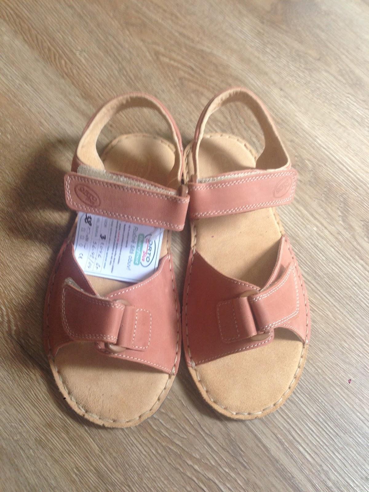 V pavučině  Orto Plus barefoot sandálky 9b67b3d51d